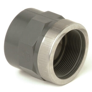 Муфта ПВХ клей – резьба с кольцом d 20 x 1/2″